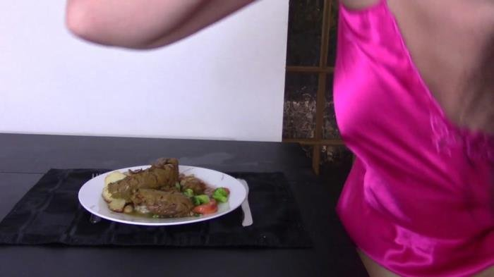 Evamarie88 (FullHD 1080p) Roast Dinner With Giant Log [mp4 / 633 MB /  2018]