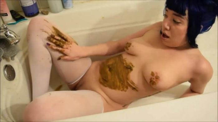 Little Puck (HD 720p) Alternative girl with a nice body smearing shit [mkv / 120 MB /  2019]