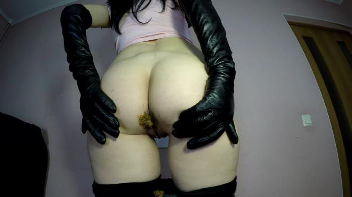 janet (UltraHD 4K) Poo In Black Tight Leggins [mp4 / 1.08 GB /  2020]