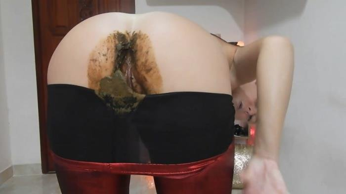 MissAnja (FullHD 1080p) Nasty Nasty Red Shiny Leggings Poo/Farts [mp4 / 1.41 GB /  2020]