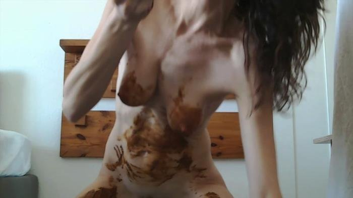 Nastymarianne (FullHD 1080p) Playing poo and pee [mp4 / 2.24 GB /  2021]